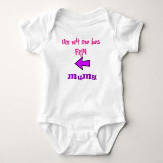 Um ingenio yo camiseta del niño del frin de los camisas