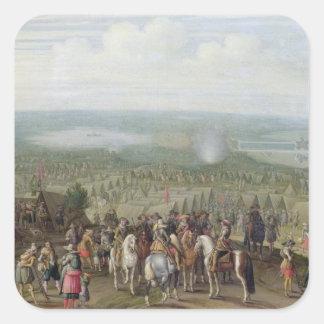 Un acampamento militar con la milicia en caballos, pegatina cuadrada