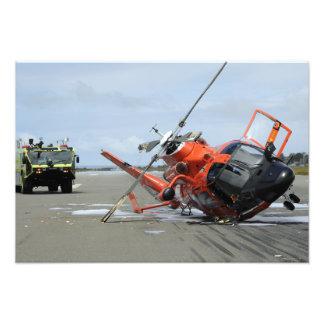 Un accidente de helicóptero del delfín del fotografía