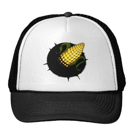 un agujero con maíz dentro gorra