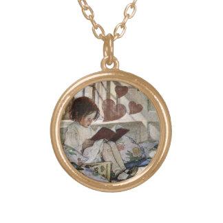 Un amor de la lectura collar dorado
