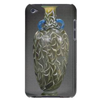 Un amphora corazón-formado con los adornos de la funda iPod
