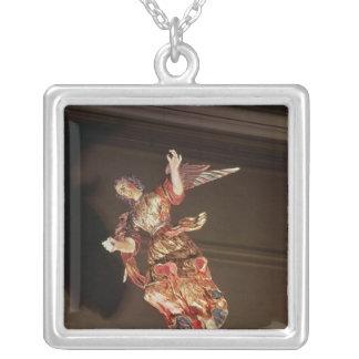 Un ángel sobre el altarpiece pendientes personalizados