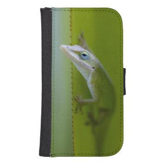 Un anole verde es un lagarto arbóreo fundas tipo cartera para galaxy s4