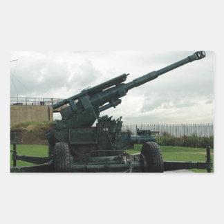 Un arma antiaéreo WW2 en el castillo de Dover Rectangular Pegatinas