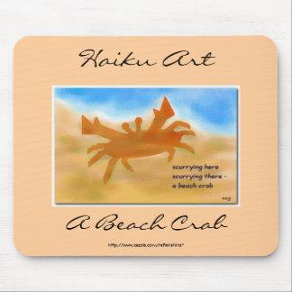 Un arte Mousepad del Haiku del cangrejo de la play Alfombrilla De Raton
