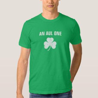 Un Aul uno Camisas