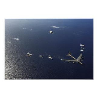 Un avión 2 de la fuerza aérea de los E.E.U.U.B-52 Fotografías