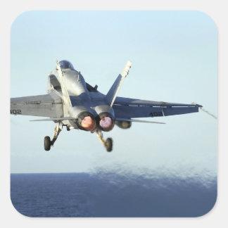 Un avispón de F/A-18C lanza de la cubierta de Pegatina Cuadrada