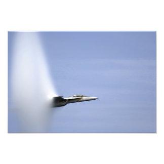 Un avispón estupendo de F/A-18E alcanza la Fotografías