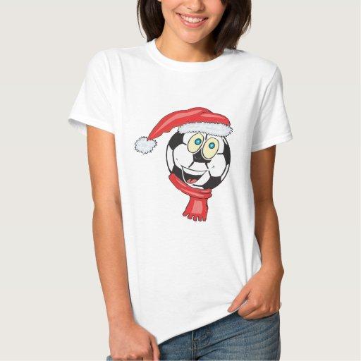 Un balón de fútbol de felices Navidad que lleva un Playera