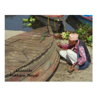 Un barquero en Pokhara Postal