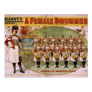 Un batería de sexo femenino, 'llegada de los chica postales