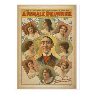 Un batería de sexo femenino tarjetas postales