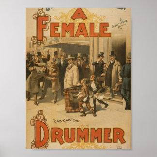 """Un batería de sexo femenino, teatro retro del """"Tax Póster"""