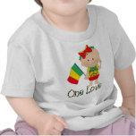 Un bebé 2 de Rasta del amor Camisetas