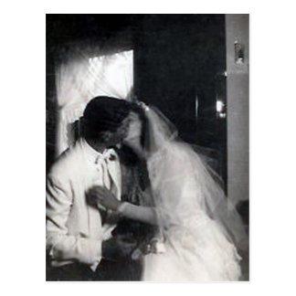 Un beso en el día tarjeta postal