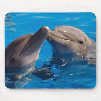 Un beso Mousepad del delfín Tapetes De Ratones