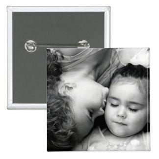 Un beso para el botón cuadrado de O Pin Cuadrado