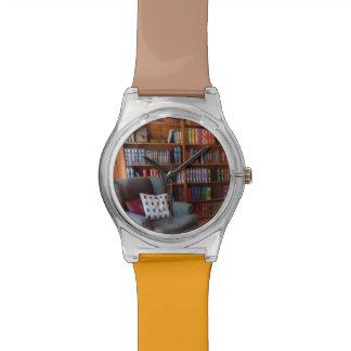 Un buen libro reloj de mano