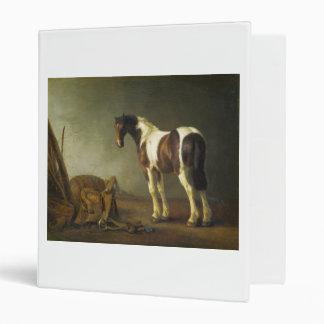 """Un caballo con una silla de montar al lado de ella carpeta 1"""""""