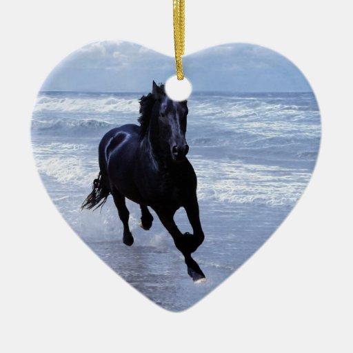Un caballo salvaje y libre adornos