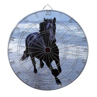 Un caballo salvaje y libre tablero de dardos