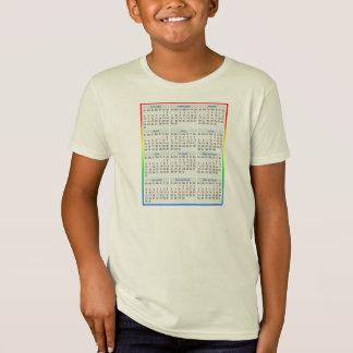 Un calendario colorido de la camiseta para 2015.