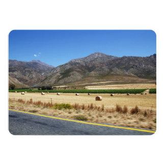 """Un camino a través de las montañas hermosas de invitación 5"""" x 7"""""""