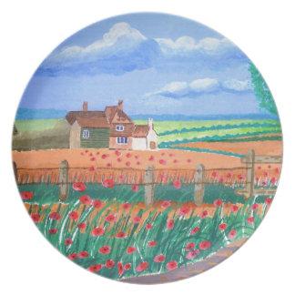 Un campo de la amapola platos