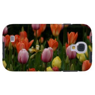 Un campo de peonies, de cyclamens y de tulipanes funda galaxy s4