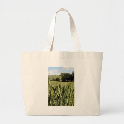 Un campo de trigo del verano bolsa tela grande