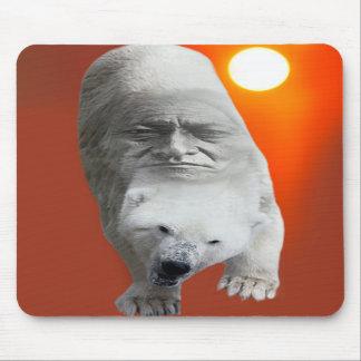 Un carácter sagrado y un apuro de los osos polares alfombrillas de raton