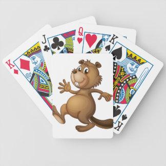 Un castor del baile barajas de cartas