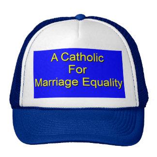 Un católico gorras