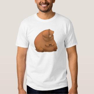 Un cerdo gordo en una camisa