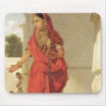 Un chica de baile indio con una cachimba, 1772 (ac alfombrilla de ratón
