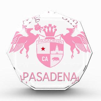 Un chica del emblema del logotipo de PASADENA