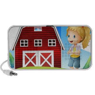 Un chica delante del barnhouse rojo en el hillto altavoz de viaje
