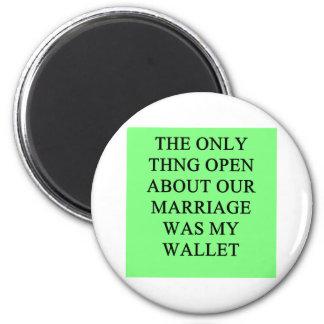 un chiste divertido del divorcio para los hombres imán redondo 5 cm