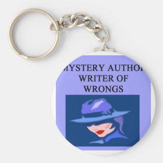 un chiste divertido del escritor de misterio llavero redondo tipo pin