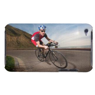 Un ciclista que se inclina en una esquina iPod Case-Mate carcasa