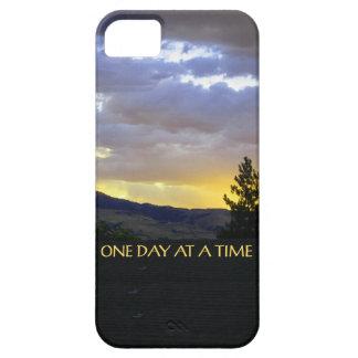 Un cielo de julio del día a la vez iPhone 5 Case-Mate funda