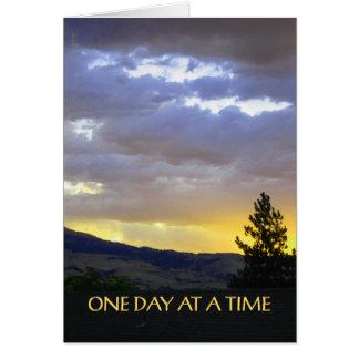 Un cielo de julio del día a la vez tarjeta pequeña