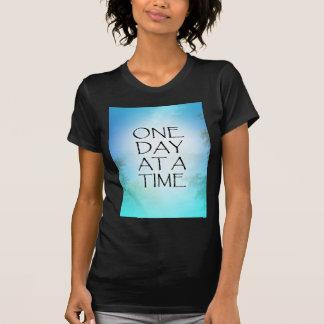 Un cielo de septiembre del día a la vez camiseta