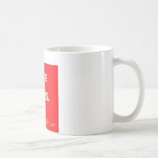 Un cierto vape de la gente, consigue sobre él taza de café
