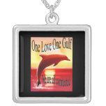 Un collar del golfo del amor uno