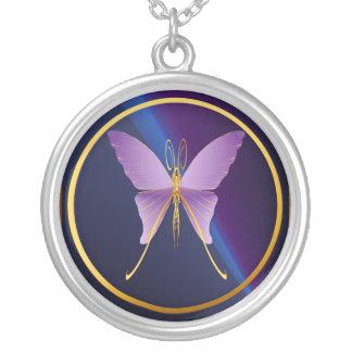 Un collar púrpura grande de la mariposa