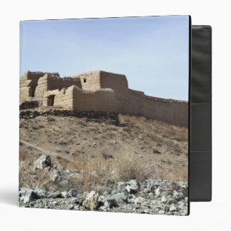 Un compuesto fortificado en el pueblo de Akbar KH