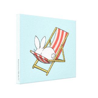 Un conejito y un deckchair impresión en lienzo